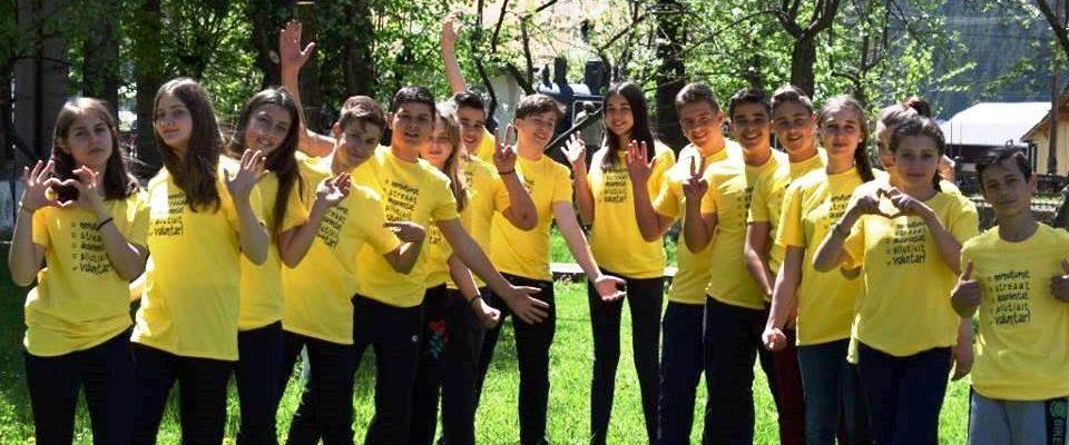 Om cu om, acțiune cu acțiune la Săptămâna Națională a Voluntariatului