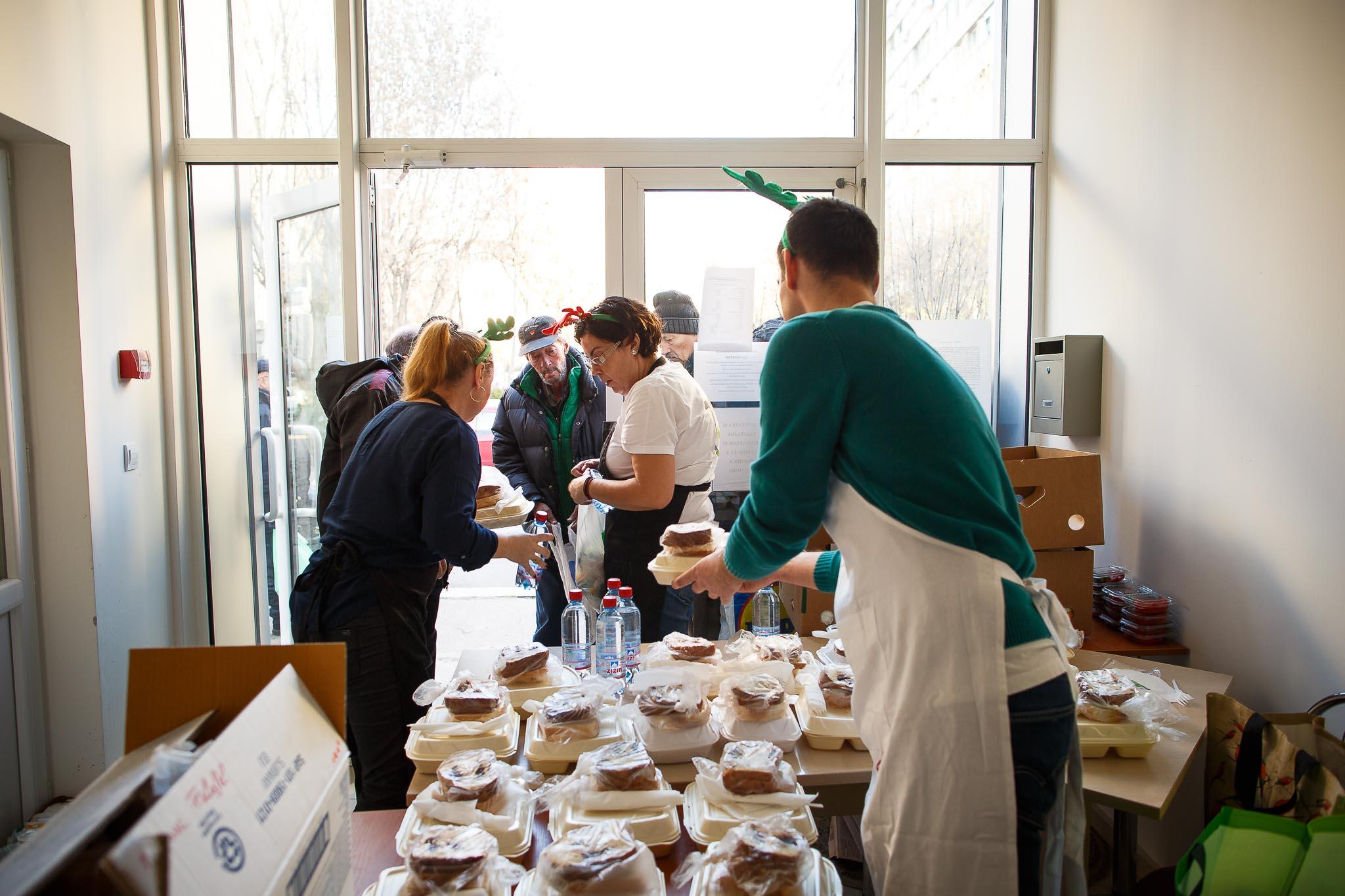 SUBWAY® donează 1 000  sandwich-uri într-o campanie de Crăciun
