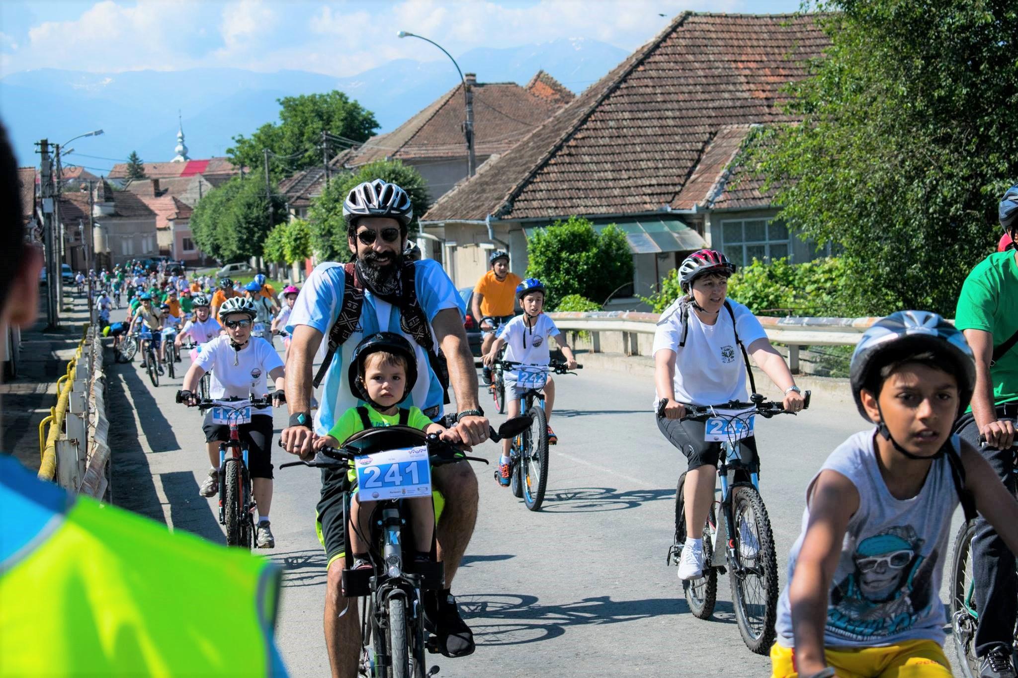 """18 proiecte înscrise la """"Bikeathon Țara Făgărașului"""". Vino și tu să pedalezi pentru comunitate!"""