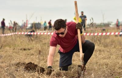 550 de voluntari pentru o nouă pădure în Ariceștii Rahtivani, județ Prahova