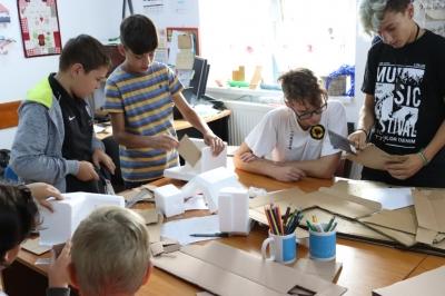 Bacău: școli de vară pentru copiii din mediul rural