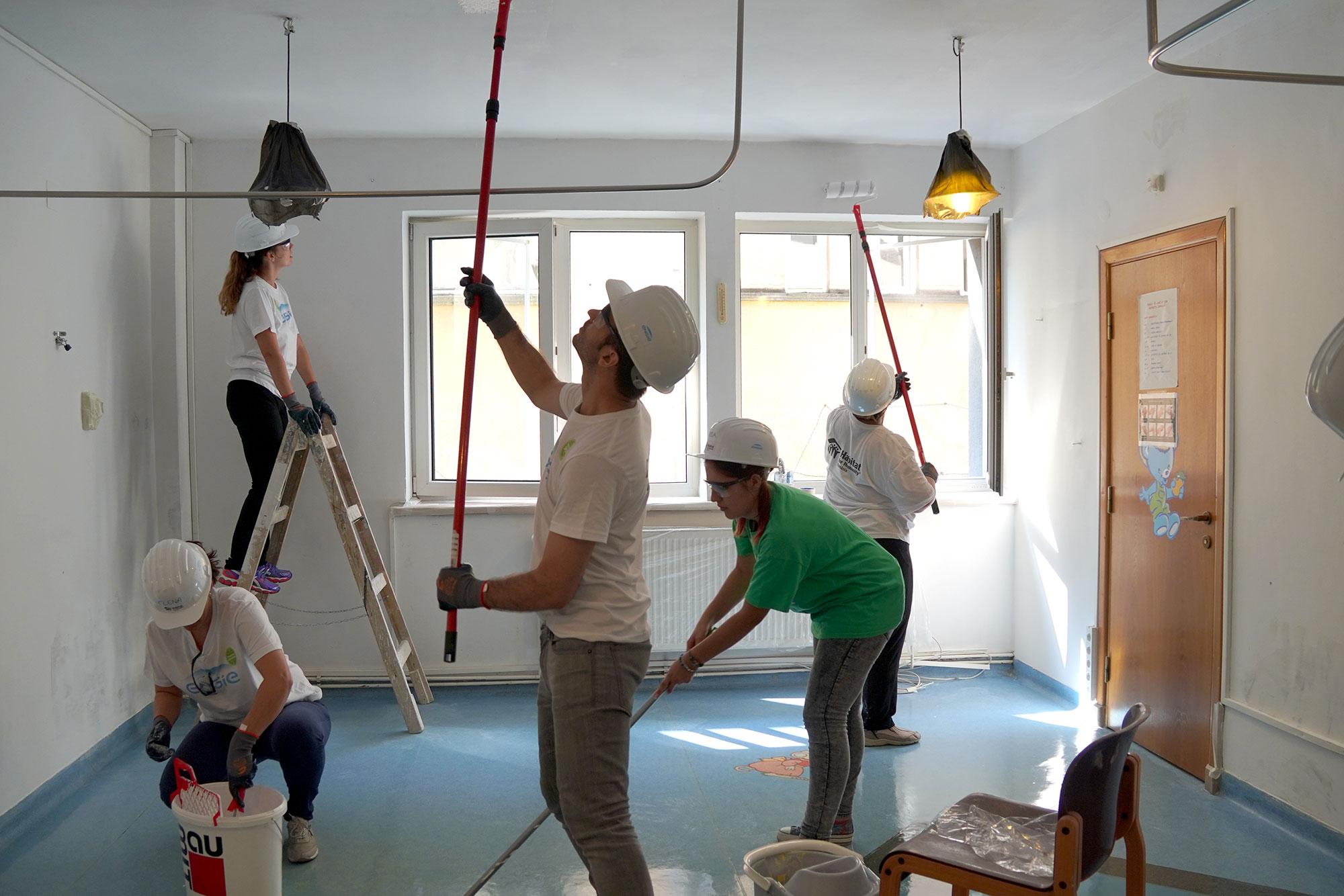 Centrul HOSPICE Casa SperanÈ›ei din BraÈ™ov, reabilitat cu ajutorul voluntarilor ENGIE