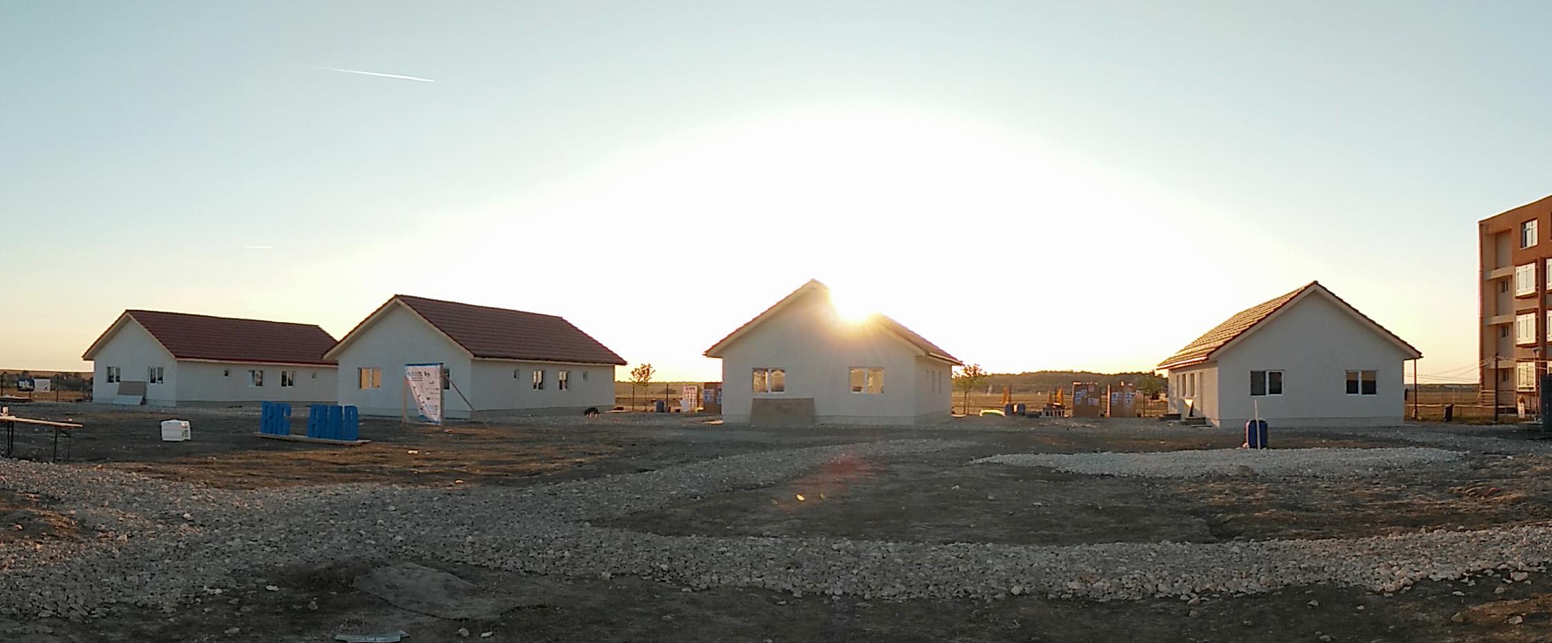 Habitat for Humanity România a construit 8 case în 5 zile, la Cumpăna