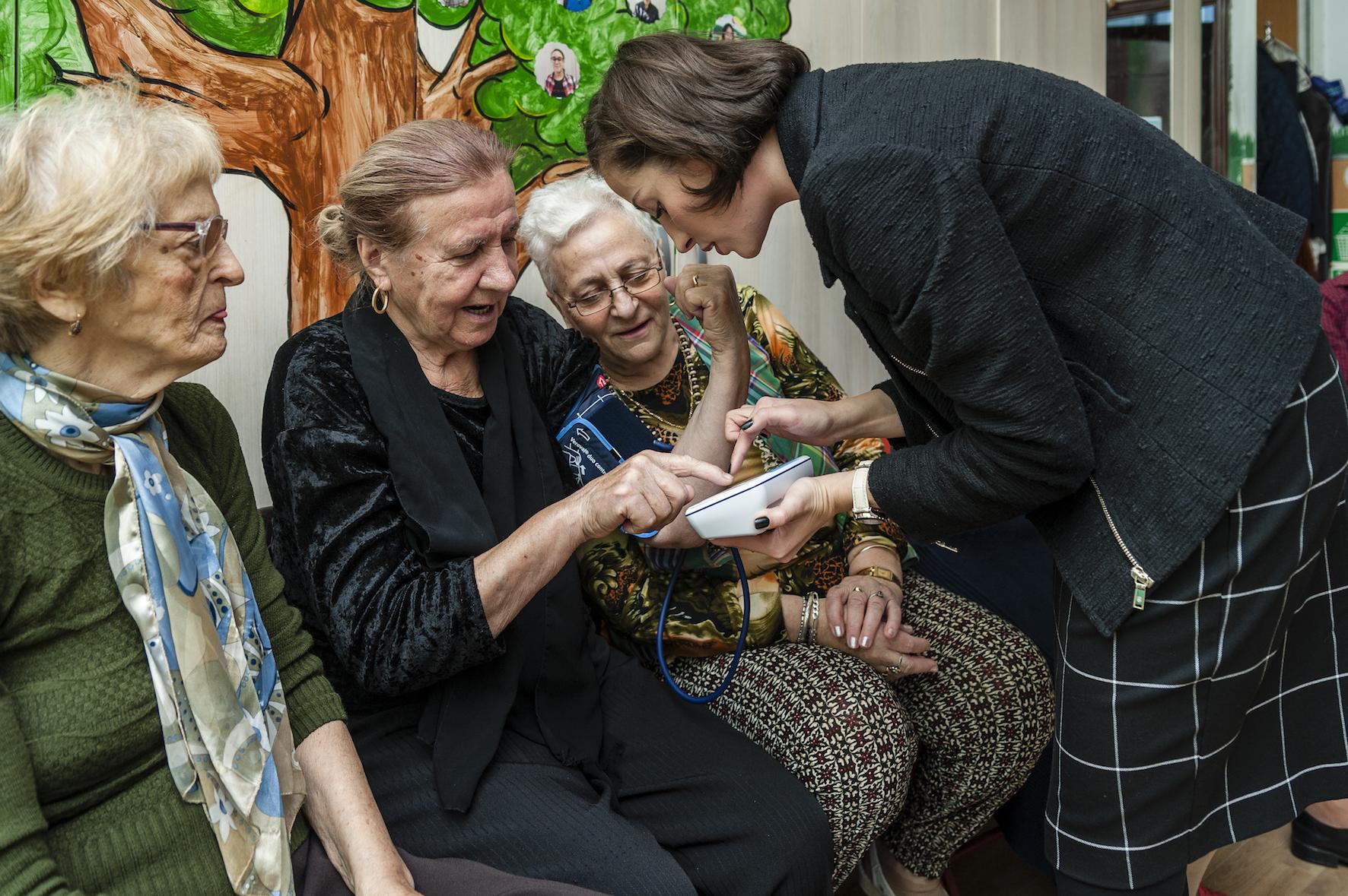 Dăruim din suflet bătrânilor singuri aflați în grija Fundației Principesa Margareta a României