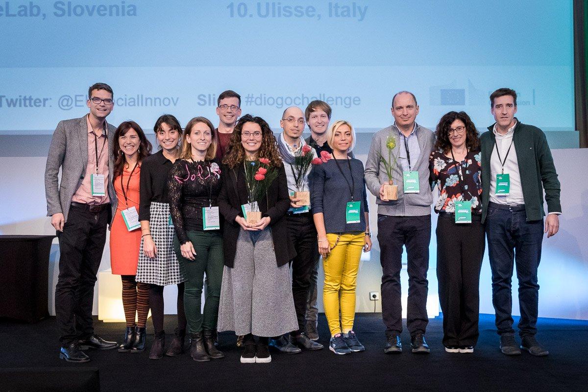 O echipă de români a câştigat cel mai mare concurs de inovare socială din Europa