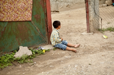 Comunitatea incluzivă și politicile publice pot reducere abandonul școlar în rândul copiilor defavorizați