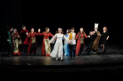 Premianţii Galei 5 licee – 5 teatre