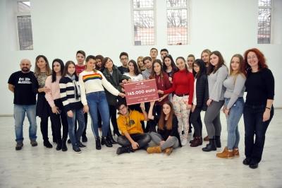 O nouă generație de elevi va spune ,,Prezent'' la liceu printr-o donație de 145.000 de euro