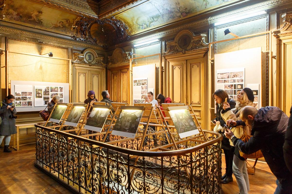 """Expozitie de fotografie cu obiective de patrimoniu """"salvate"""" de Instagram"""