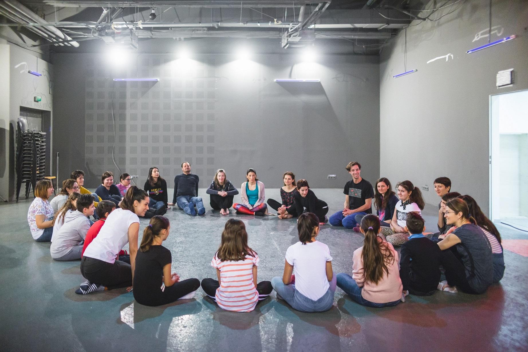 Prima serie de ateliere de educație sentimentală din programul european Unprepared Hearts – Inimi tinere a avut loc la București