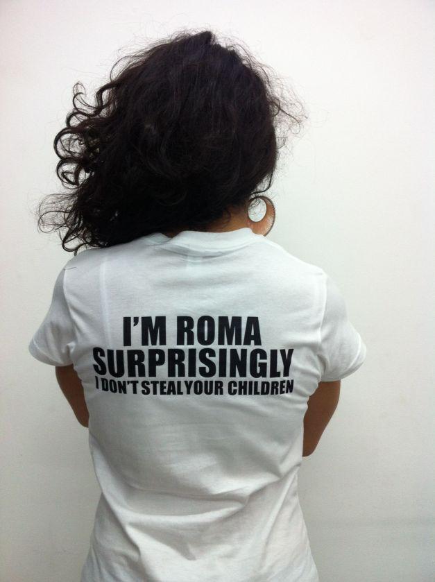 Femeia romă - între prejudecată și destin