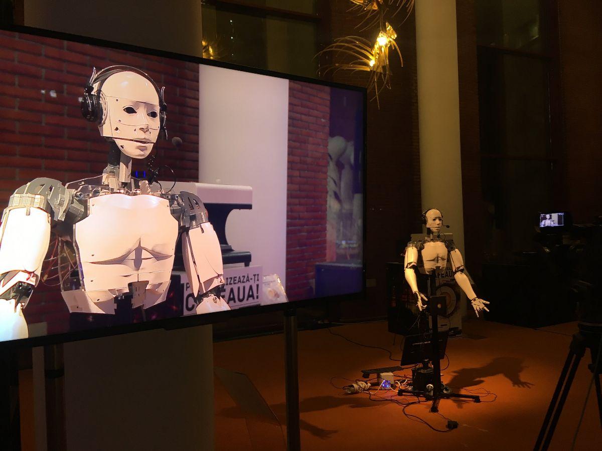 RoboÈ›ii Modulab la European Robotics Forum