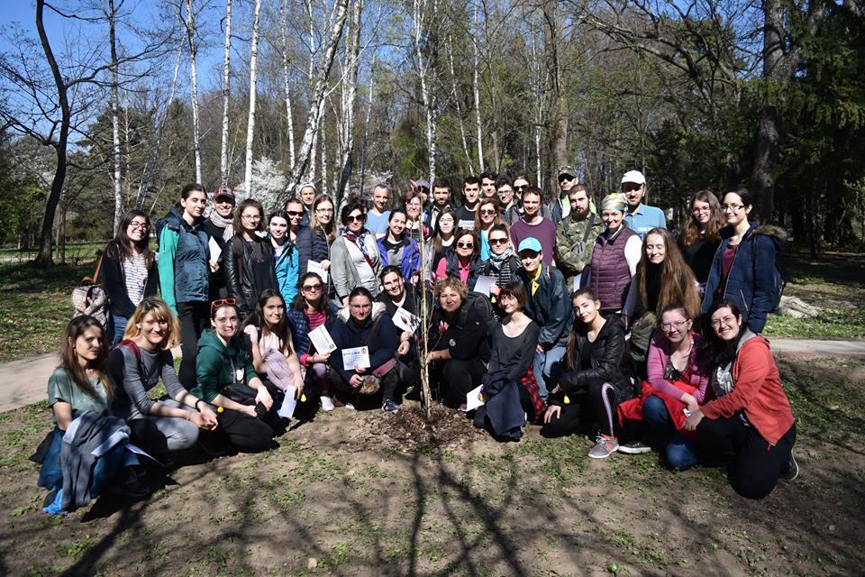 Curățenia de Primăvară 2019: 14 ani de voluntariat la Grădina Botanică București