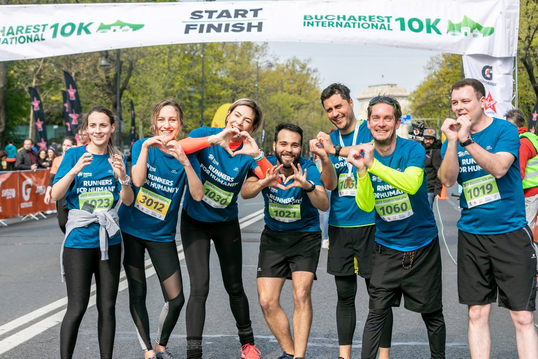 230 de alergători în echipa Runners for Humanity