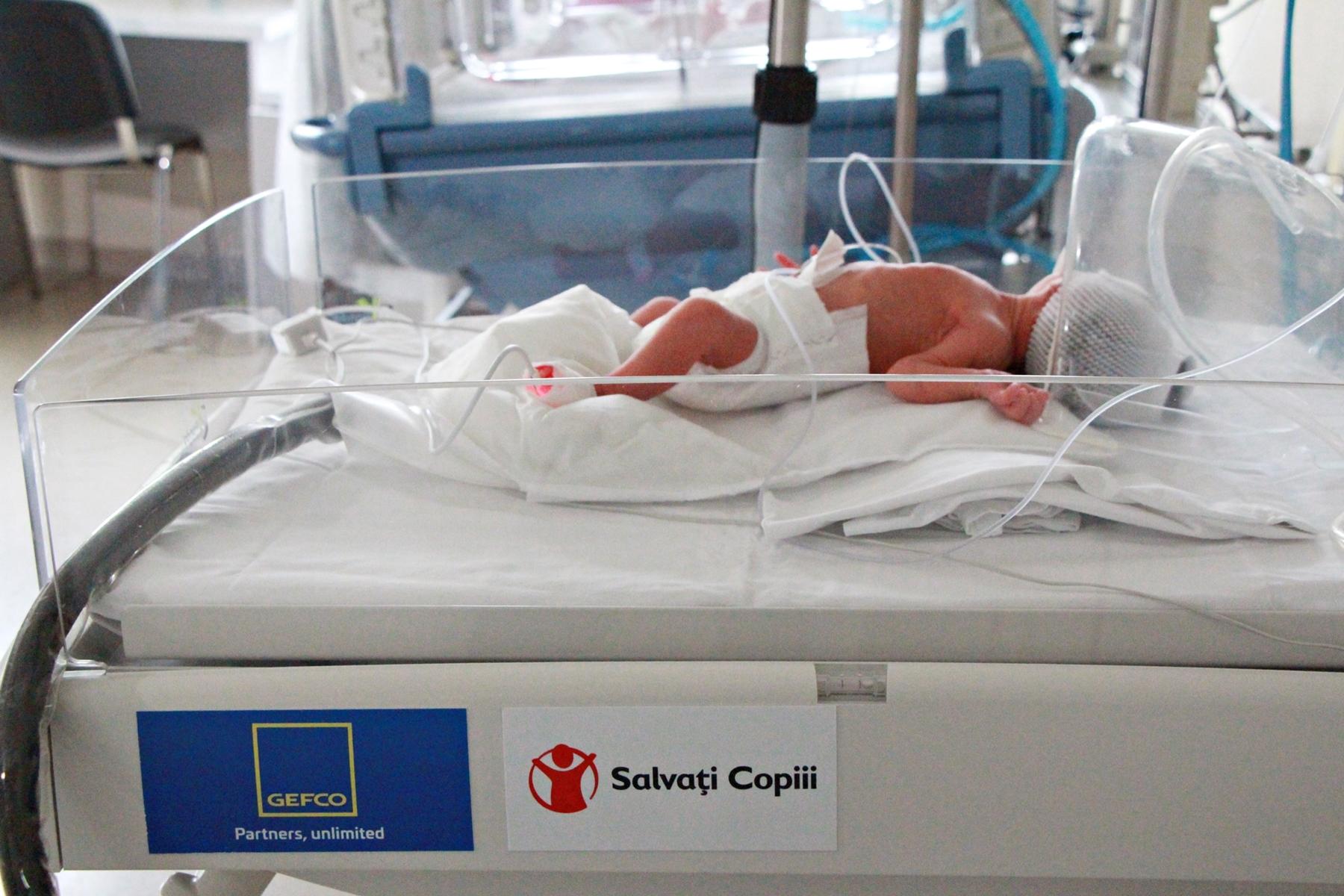 Salvați Copiii România continuă campania pentru dotarea maternităților