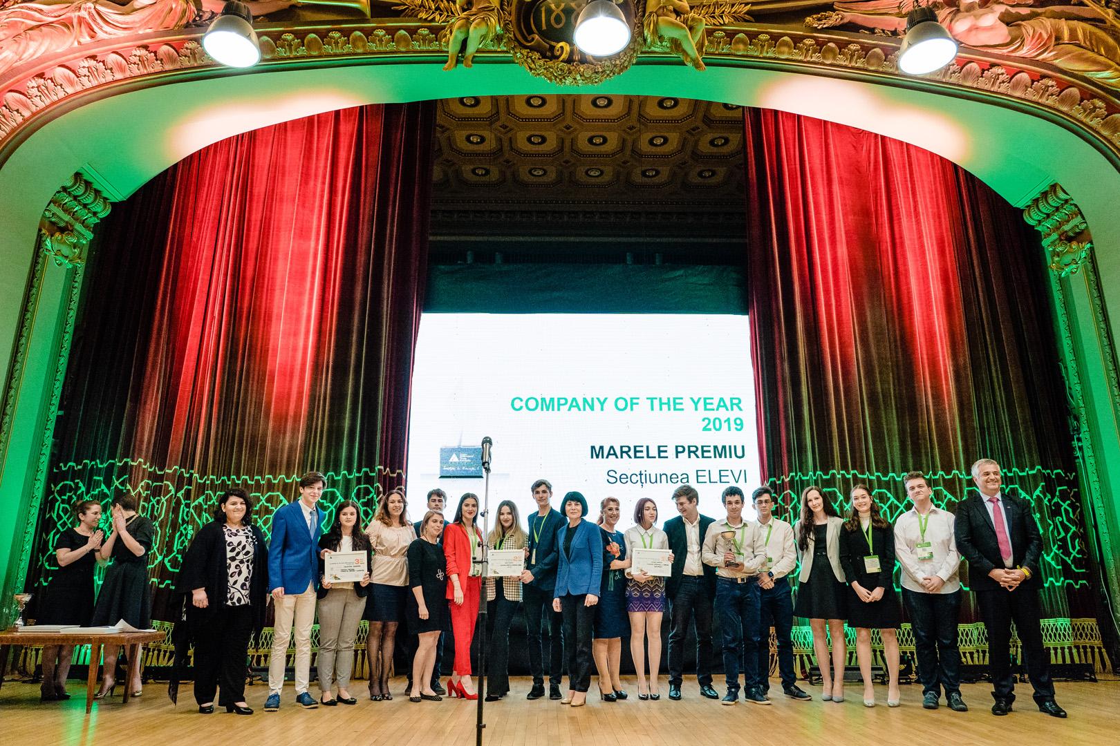 Elevii È™i studenÈ›ii antreprenori, premiaÈ›i la Gala JA Hall of Fame
