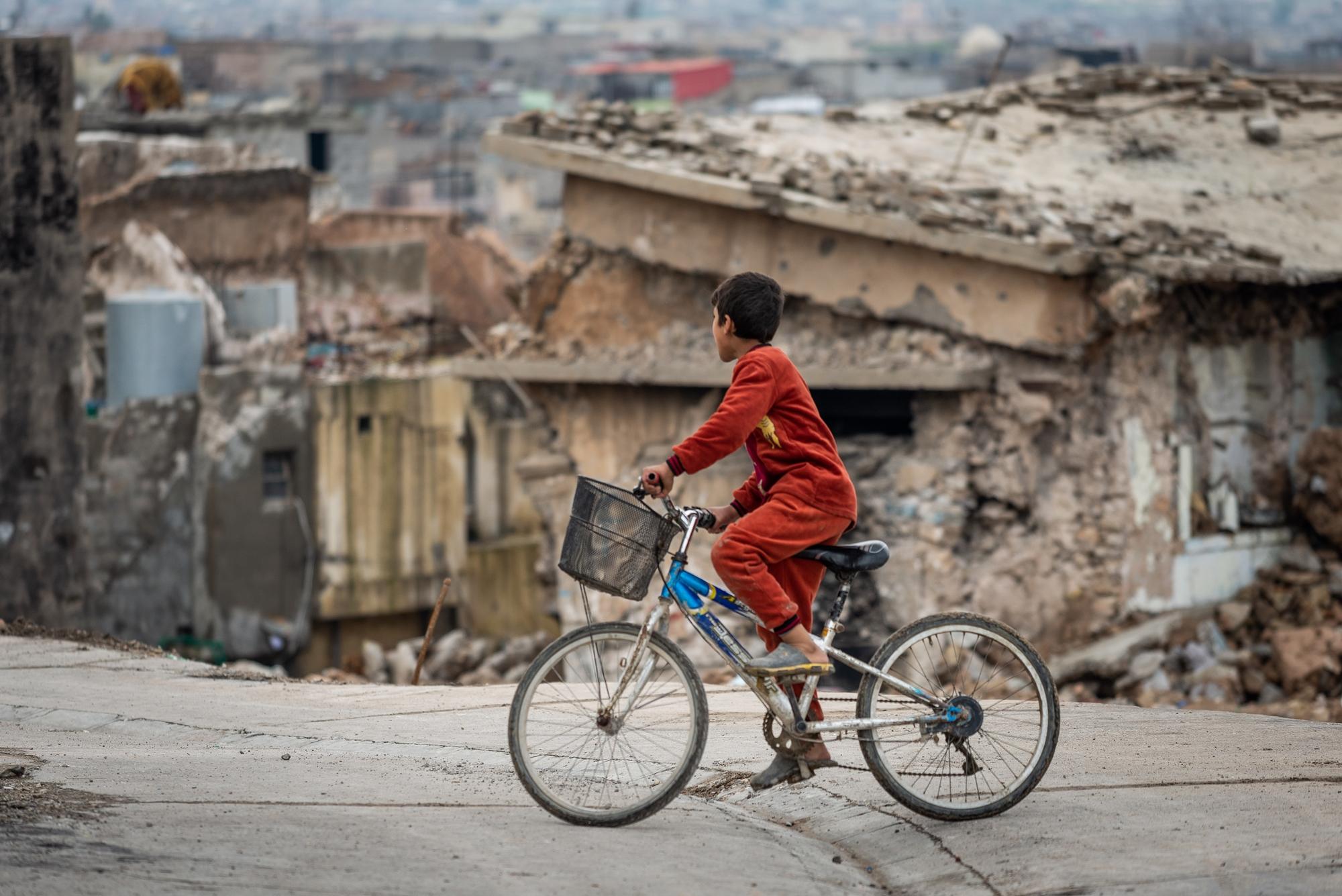 Raport internațional: Trei din patru copii care sunt uciși și răniți grav în lume sunt victimele armelor explozibile