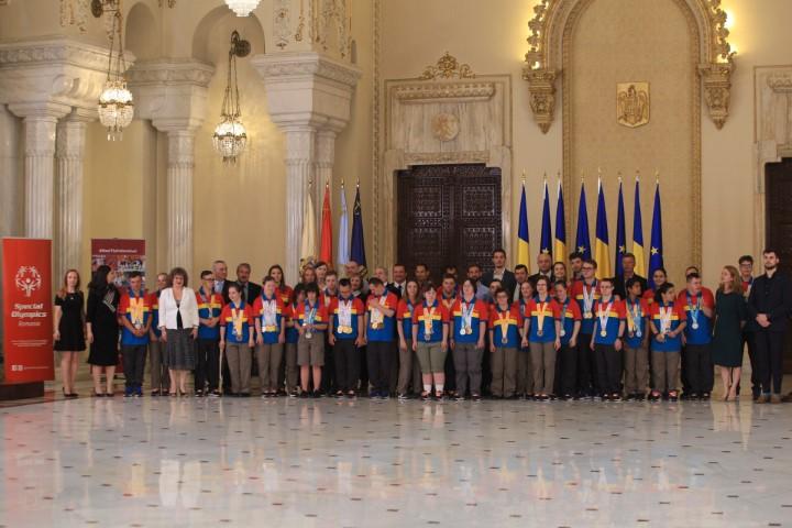 Delegația României la Jocurile Mondiale Special Olympics, felicitată de Președintele României