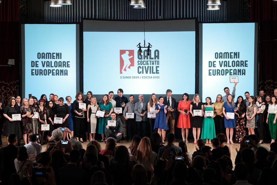 """Marele premiu al Galei Societății Civile este câștigat pentru prima dată de o inițiativă din secțiunea """"Proiecte și campanii de Voluntariat�"""