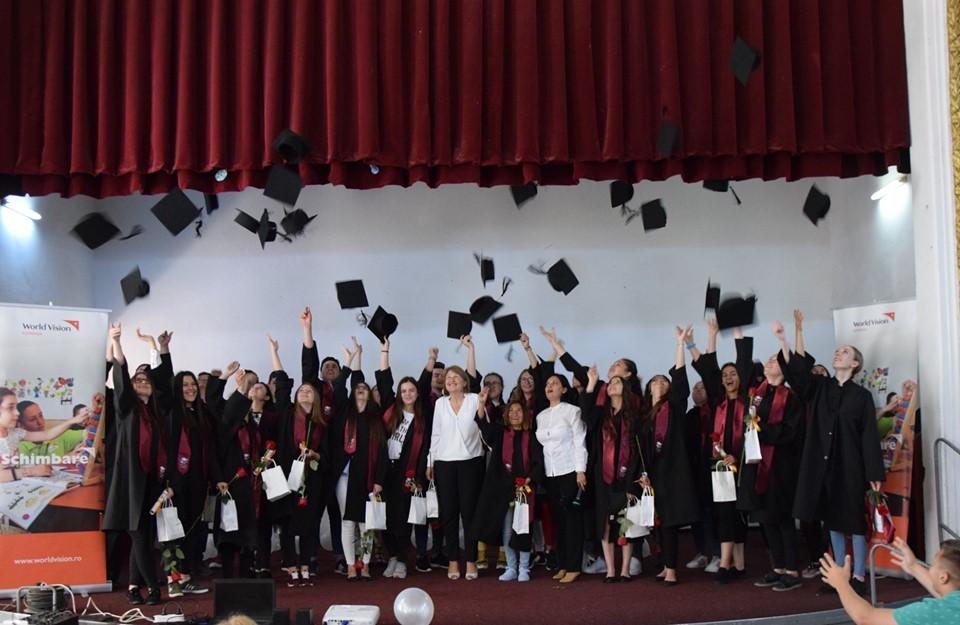 Elevii din mediul rural din programul Vreau în clasa a 9-a al Fundației World Vision România au obținut o rată de promovare la BAC mai bună decât media națională