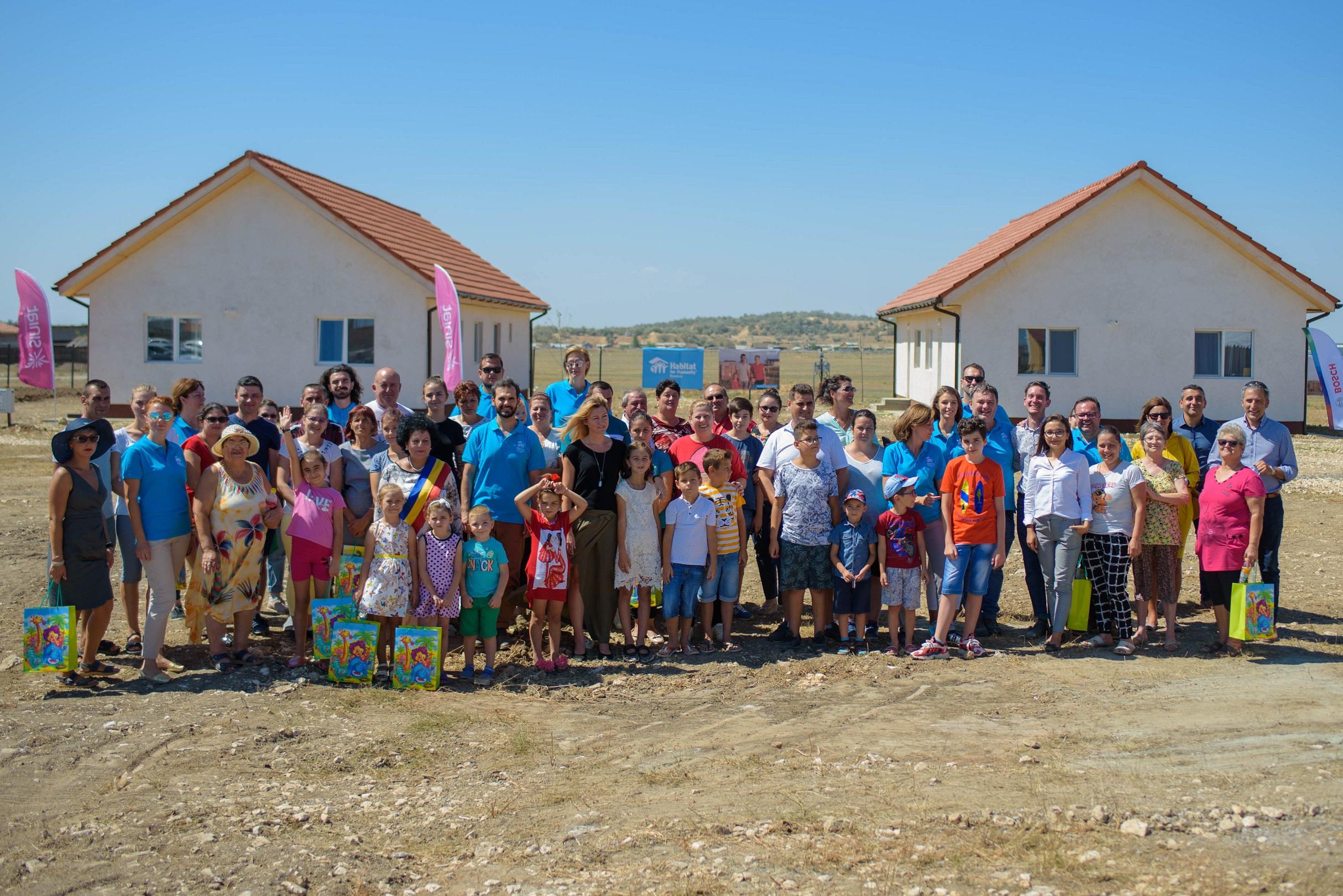 Habitat for Humanity România a inaugurat cele 16 locuințe finalizate în sezonul 2018 – 2019, în localitatea Cumpăna