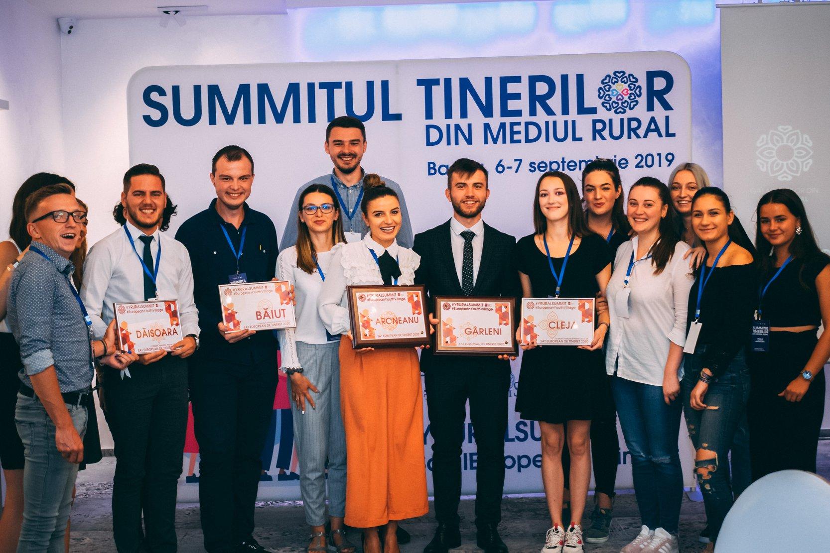 Tinerii din mediul rural își construiesc o mișcare de tineret la nivel național