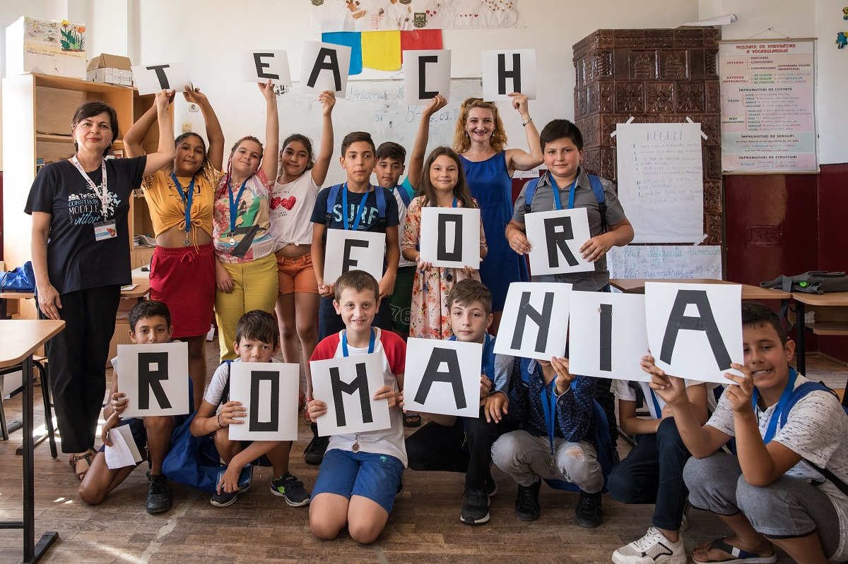 Peste 100 de profesori È™i 3000 de copii din programul Teach for Romania vor fi susÈ›inuÈ›i de Lidl