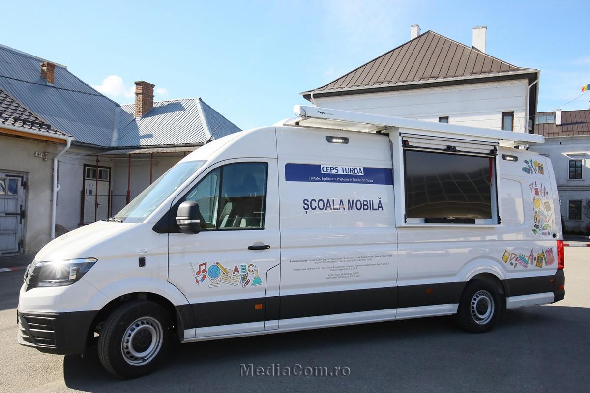 Proiect unic în educație, pornit din Turda: prima școală mobilă din România