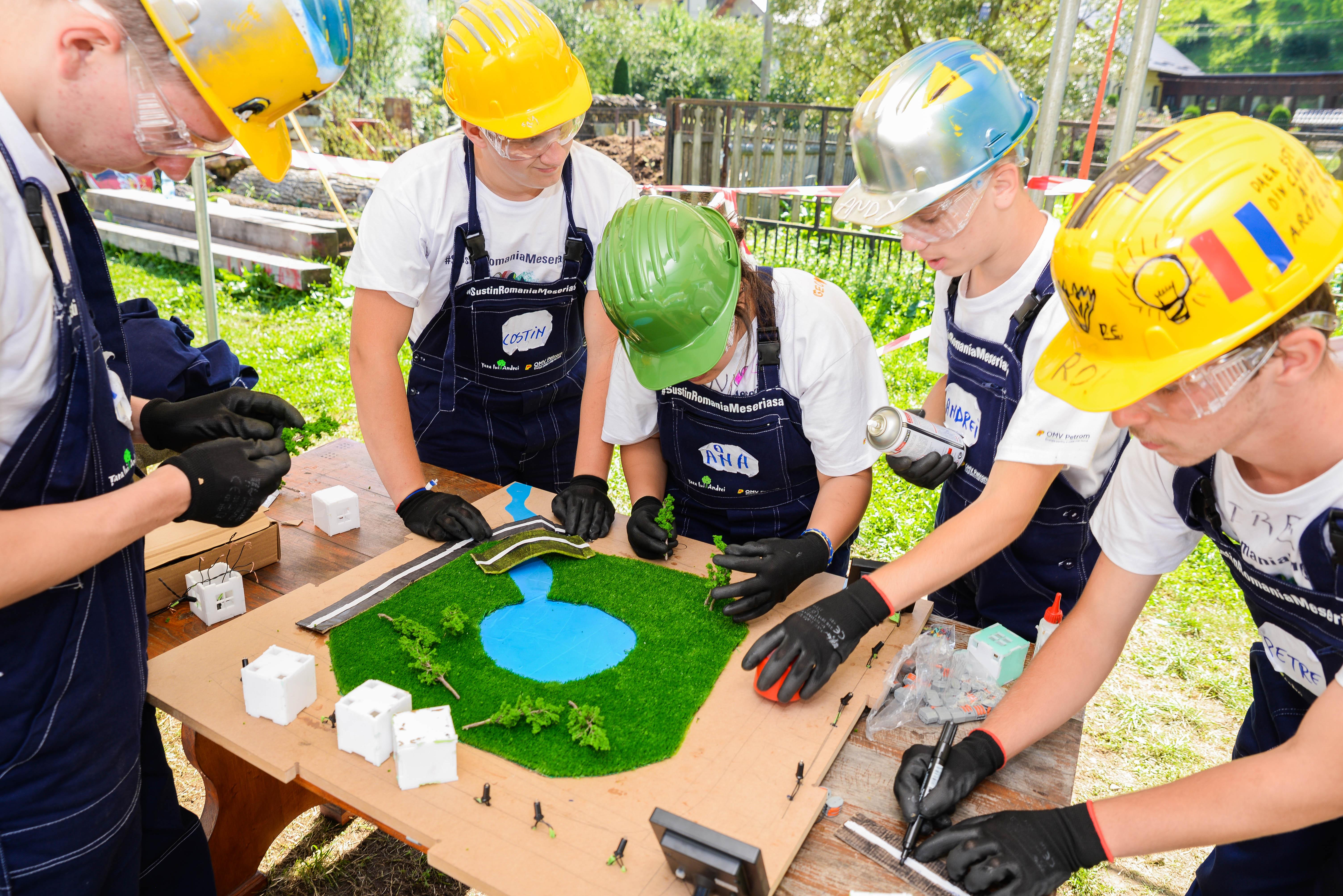 240 de elevi din școlile profesionale și tehnice au participat la Tabăra Meseriașilor OMV Petrom