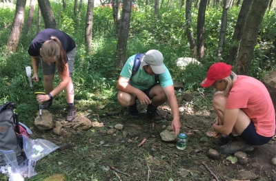 Studenții Universității din București deslușesc tainele geoparcurilor din România