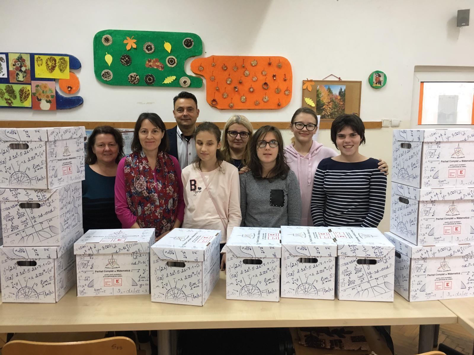 Copiii nevăzători din România au acum o soluție inovatoare pentru a putea învăța matematica