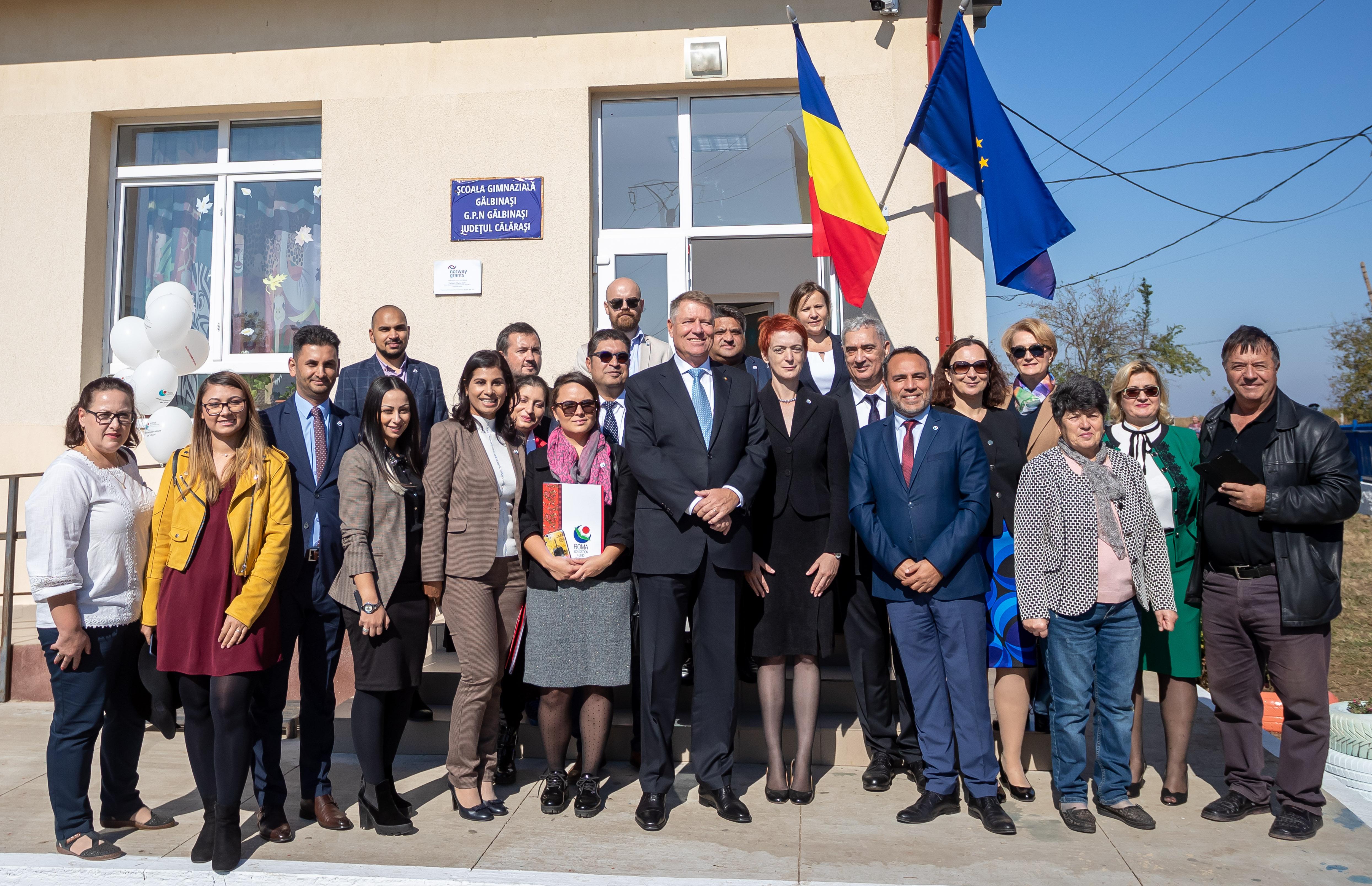Roma Education Fund Romania - Eveniment aniversar alături de Președintele României, domnul Klaus Iohannis