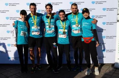 Peste 400 de alergători Team Hope au participat la Maratonul București și au adunat bani pentru cauza Hope and Homes for Children
