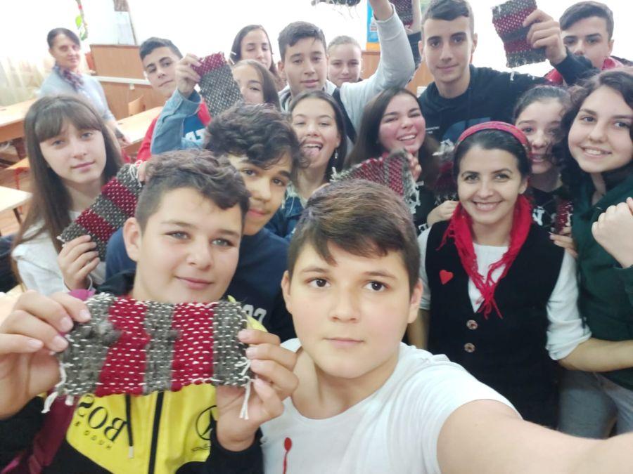 Educație creativă prin meșteșuguri în Roata de Jos