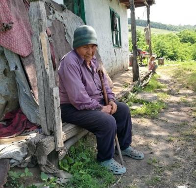 Semnează petiția pentru dezvoltarea serviciilor pentru bătrâni în toate orașele și comunele din România!