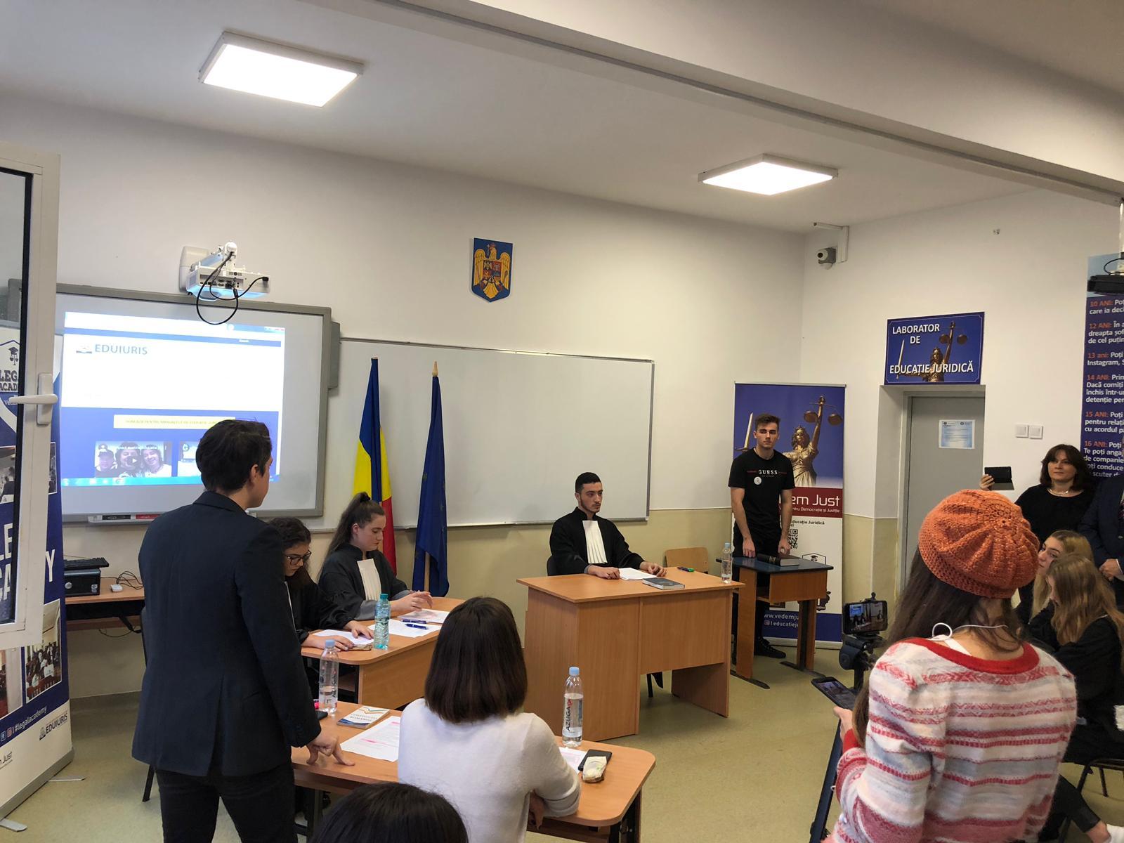 """Asociația VeDem Just lansează primul  """"Laborator de Educație Juridică"""" din România"""