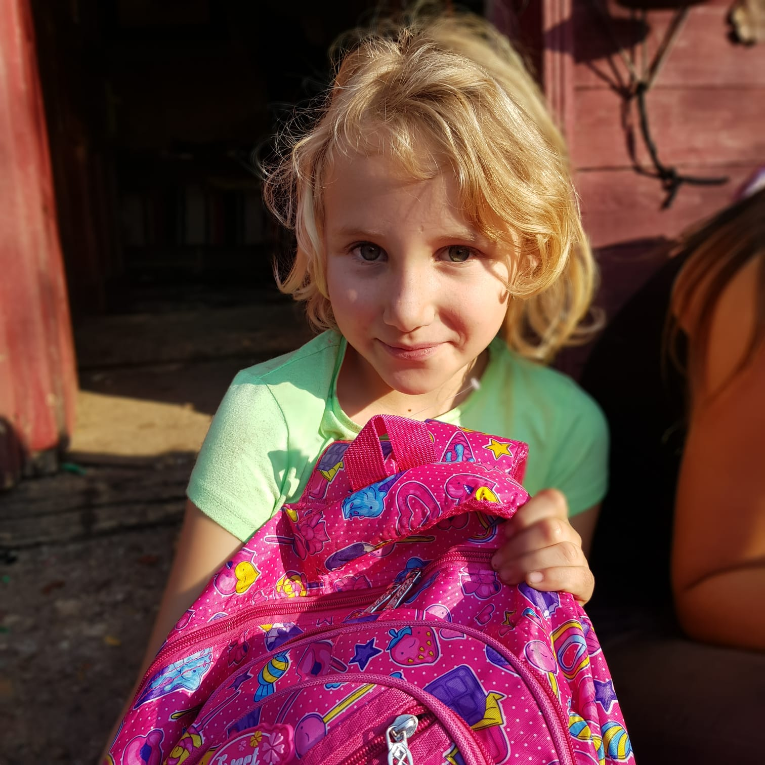 40 de copii nevoiași din județul Cluj susținuți cu burse pentru școală