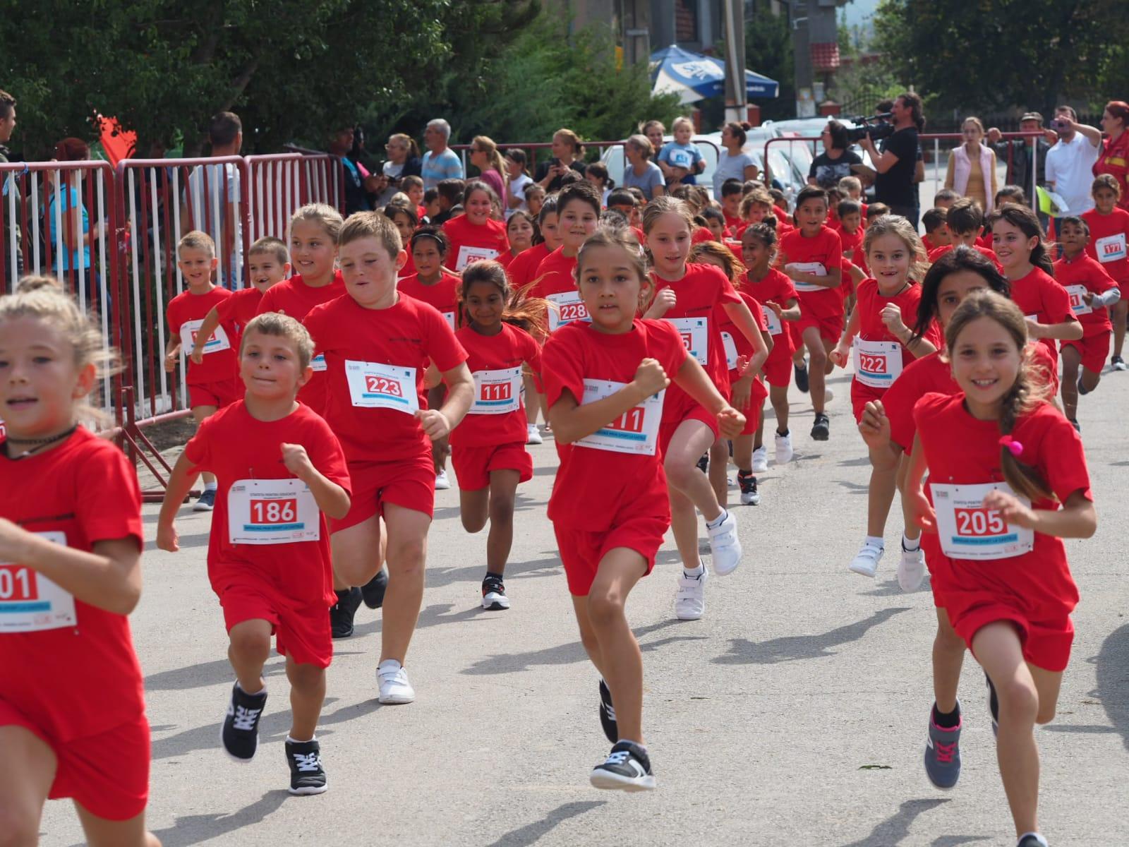 500 de copii uniÈ›i pentru educaÈ›ie prin sport