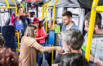 Curs universitar și joc de strategie lansate într-un autobuz electric la Cluj-Napoca!