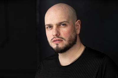 Premieră pentru filmul românesc: Matei Dima regizează primul lungmetraj caritabil din România