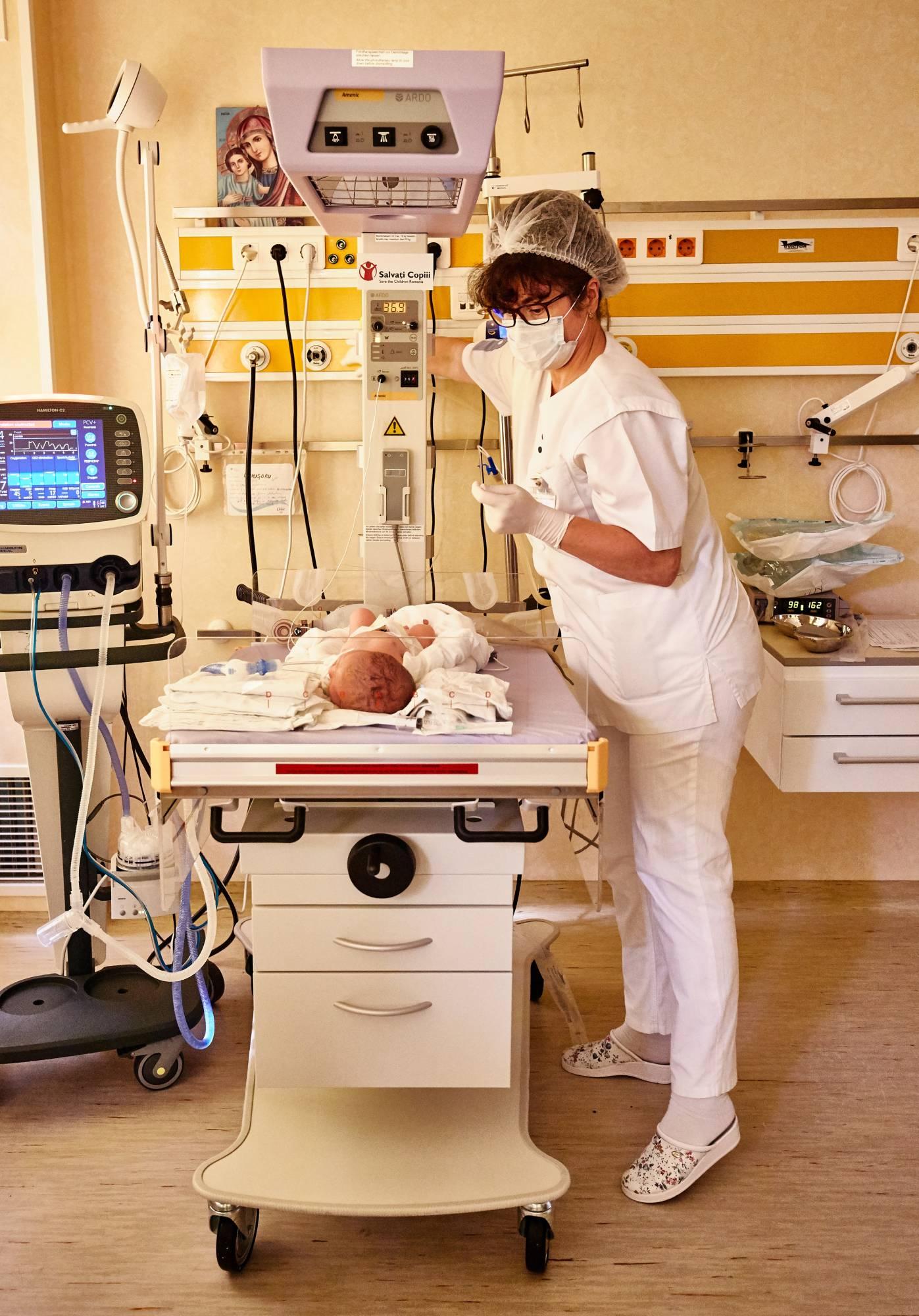 Salvați Copiii România ia măsuri urgente de sprijinire a categoriilor sociale vulnerabile și deschide un fond de urgență pentru spitale