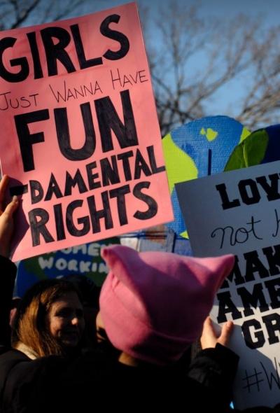 Până pe 28 aprilie, CE consultă  societatea civilă: cum revizuim strategia pentru drepturile fundamentale?