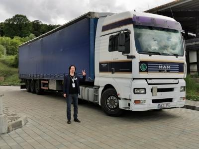 Asociația VeDem Just a trimis către Republica Moldova un transport cu 35.000 viziere