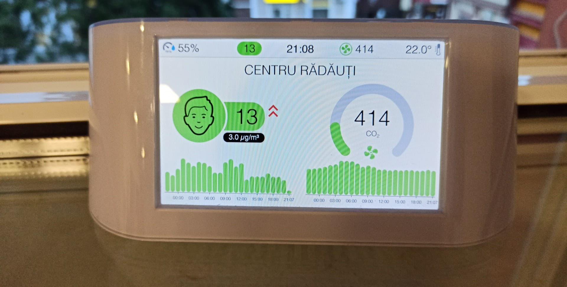 Asociația Rădăuțiul Civic a montat primul aparat de măsurare a calității aerului din municipiu
