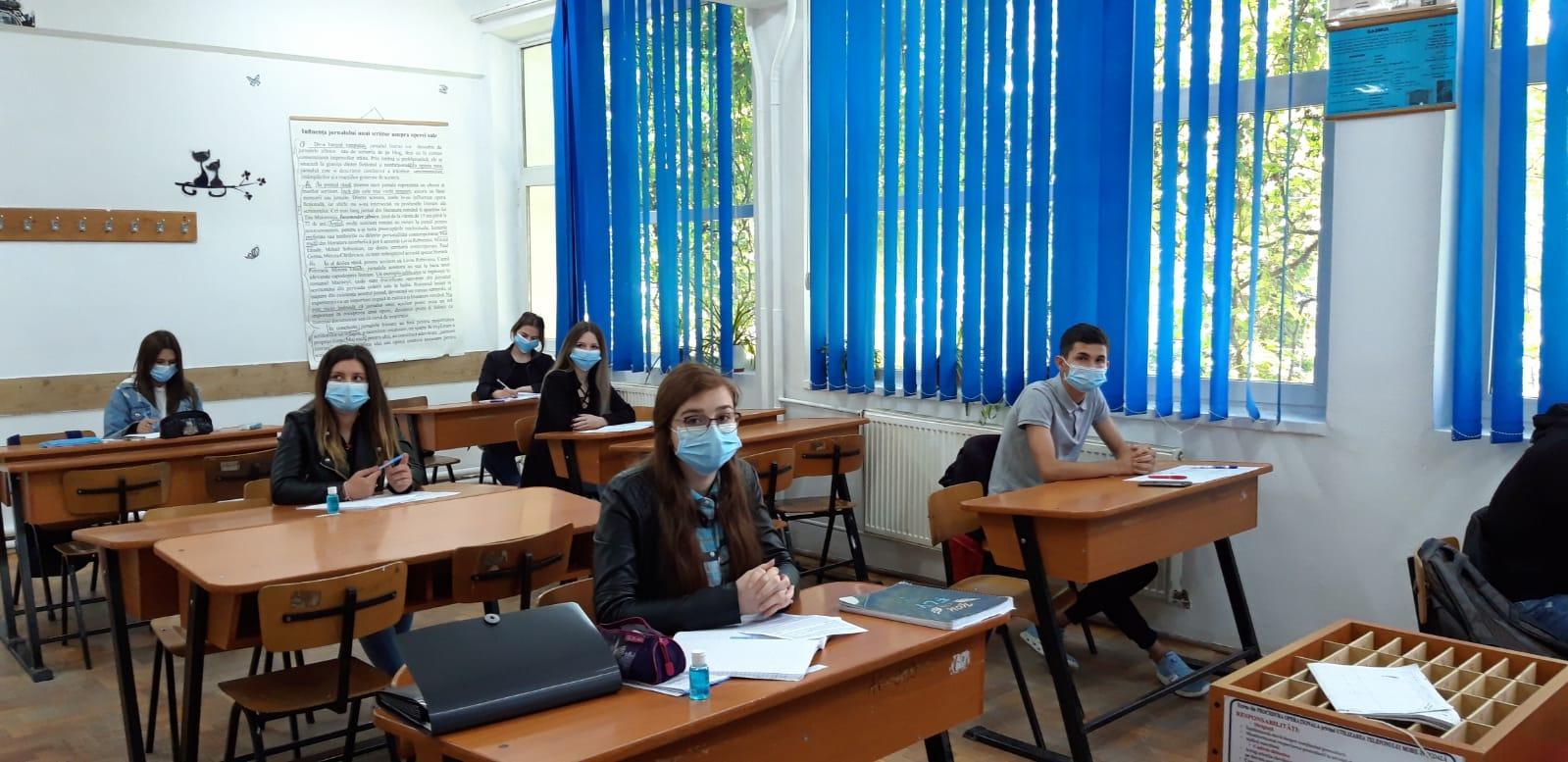 UNICEF a distribuit măști de protecție, dezinfectant și materiale de informare în școlile băcăuane