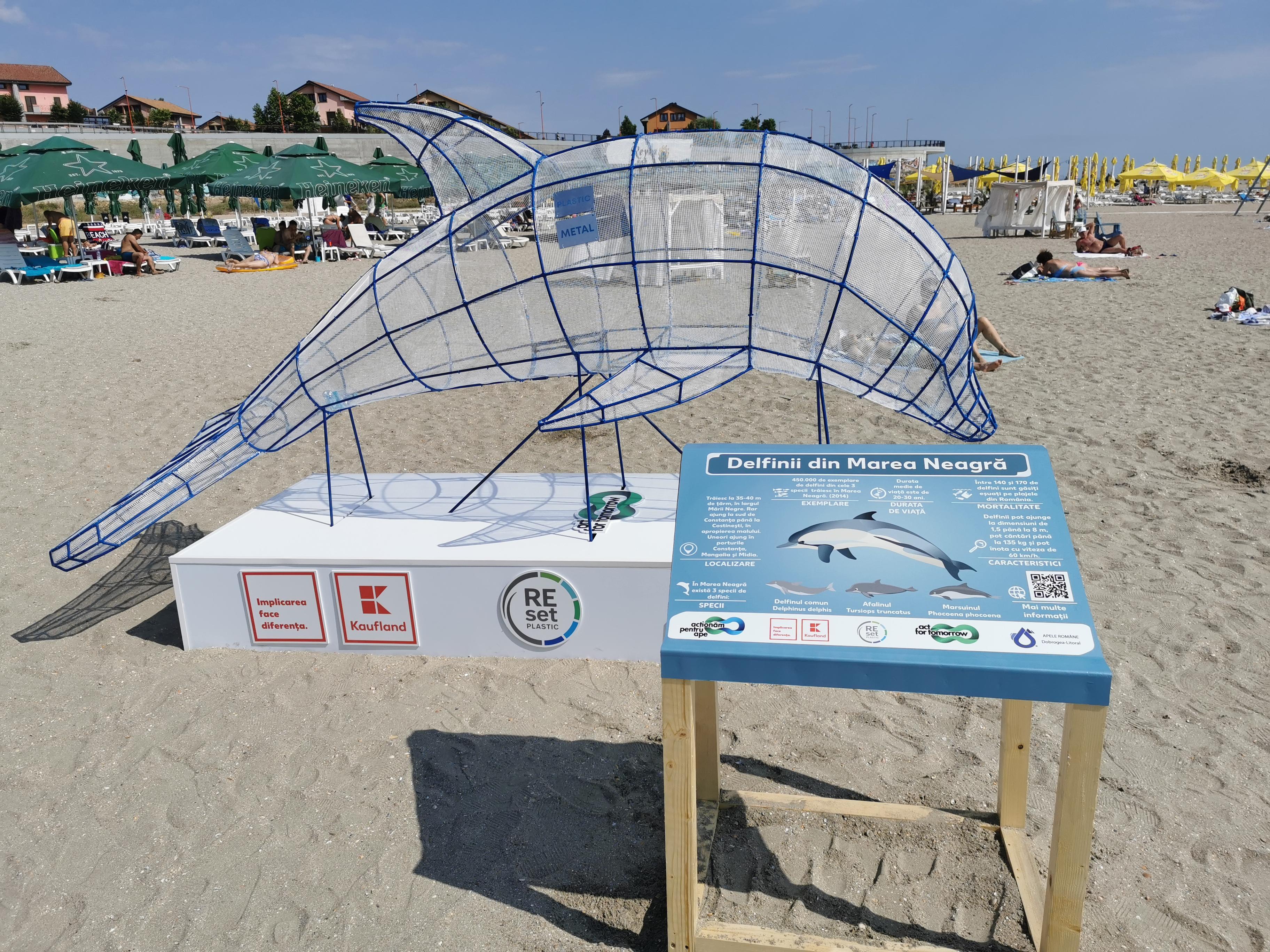 România are prima infrastructură de colectare sub formă de animale marine gigant pe plajele de la Marea Neagră