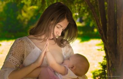 Asociația SAMAS lansează o petiție pentru consiliere dedicată în alăptare, în maternități