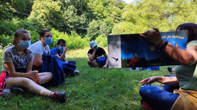 """250 de copii din mediul rural clujean s-au întors după 6(șase) luni la """"școala cu scLIPICI�"""