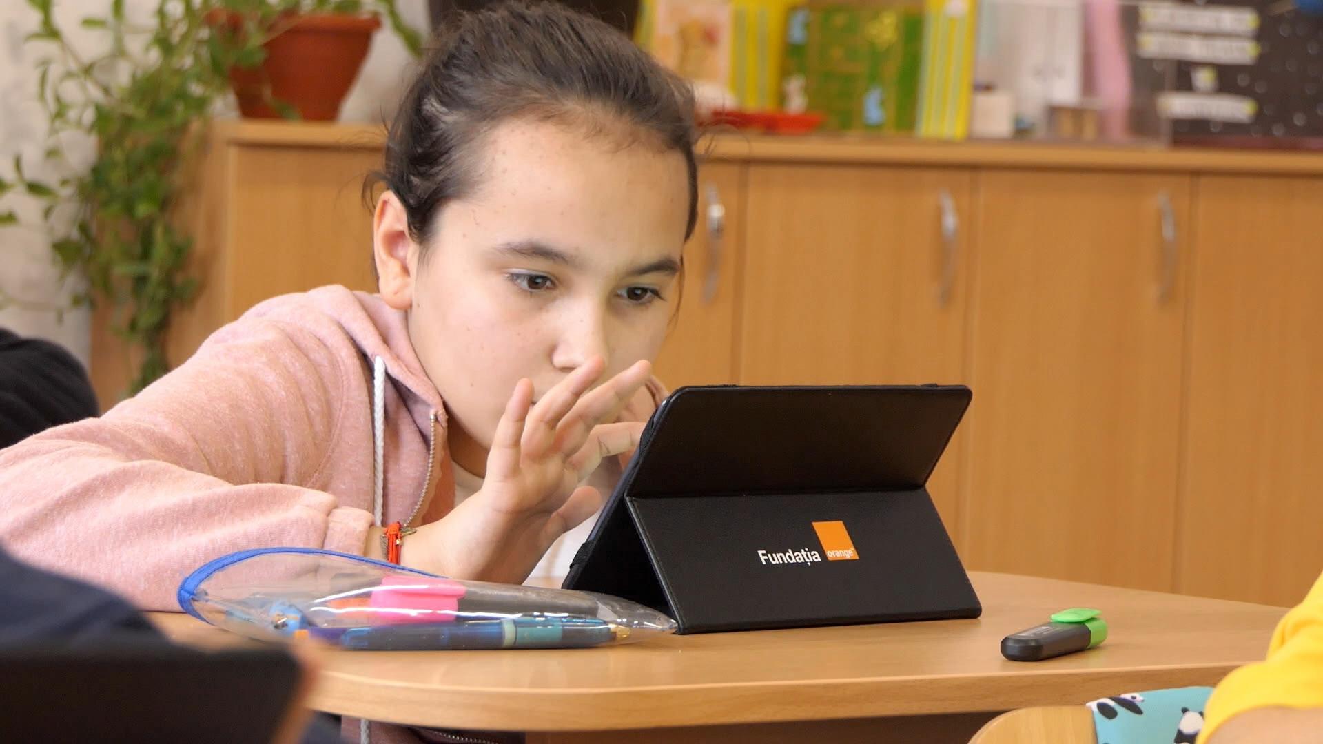 36.000 de elevi, profesori și părinți încep anul școlar cu Digitaliada