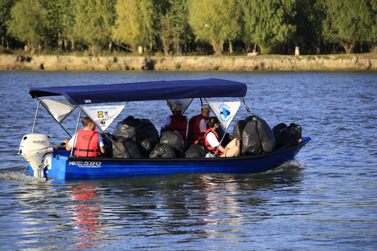 Patrula Zero Plastic: 1000 km parcurși, peste o tonă de deșeuri adunate în Delta Dunării
